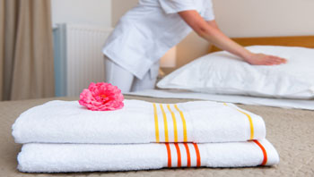 cleaning hotel room towels
