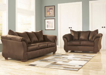 Ashley Darcy Ultra couch brown