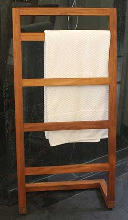 sula wooden blanket ladder front