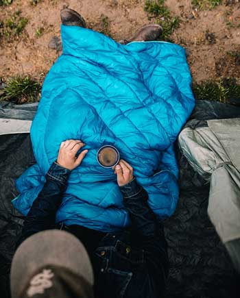 testing the rumpl blanket in cold weather