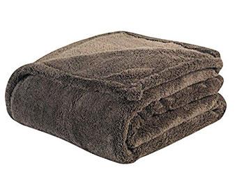 warm zone - warmest blanket among poly-fiber